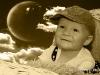 dítě v koši - sepia - měsíc